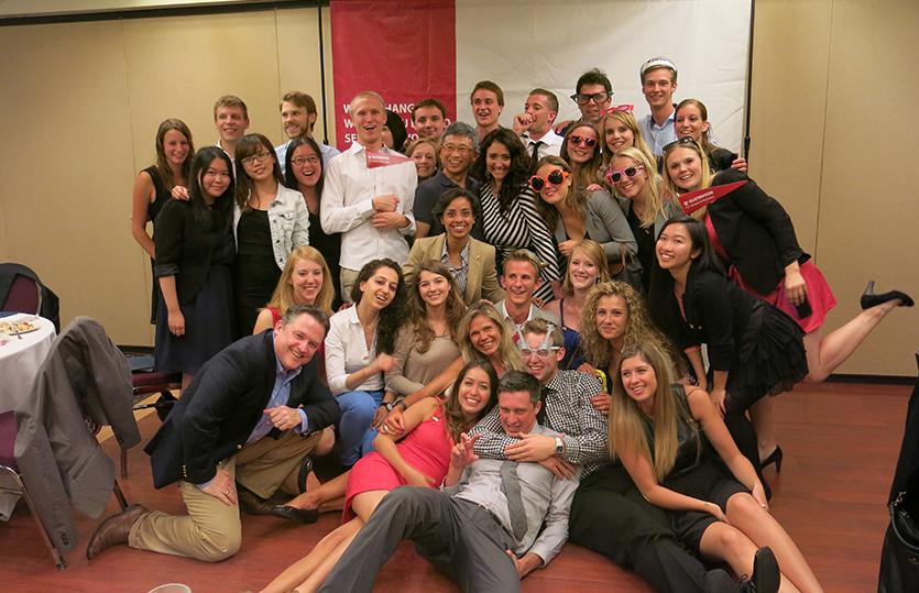 WU und UVic Studierende bei der Closing Ceremony
