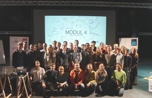 Die TeilnehmerInnen mit dem Organisationsteam