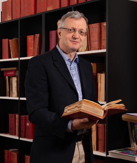 Andreas Resch ist stellvertretender Vorstand des WUInstituts für Wirtschafts- und Sozialgeschichte